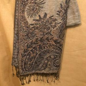 black and gold pashmina scarf